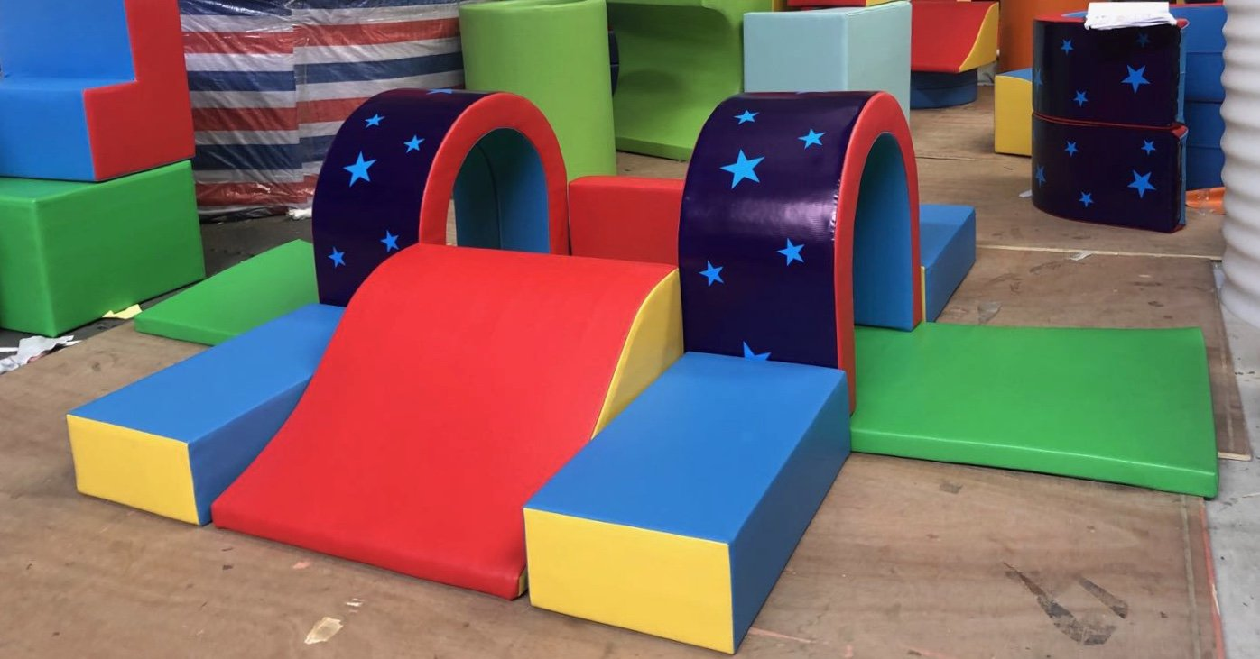 Softplay Stars and Tunnels
